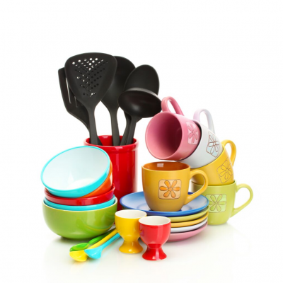 COLOURFUL COOKWARE TO LIVEN UP YOUR KITCHEN